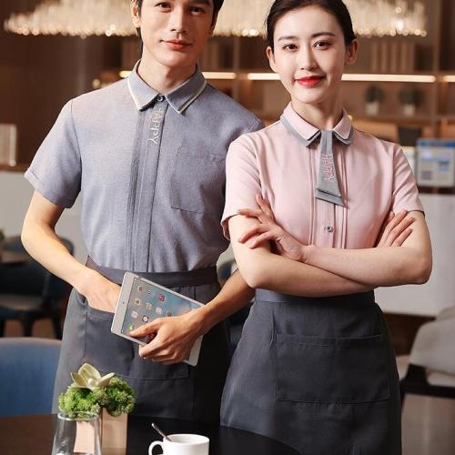 餐饮服务员工作服礼仪规范和着装要求
